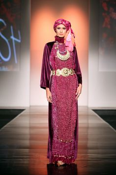 "Kasha by Sjully Darsono ""Ethnic Emotion"", Jakarta Islamic Fashion Week 2013 Modest Fashion, Hijab Fashion, Fashion Show, Indonesia Fashion Week, Moslem Fashion, Hijab Ideas, Hijab Collection, Hijab Niqab, Islamic Fashion"
