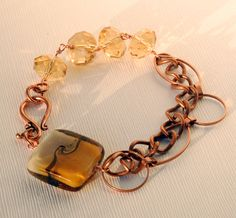 Bracelet made with glass beads and copper chain
