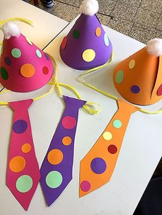 Crafts with children for carnival - 55 creative and very simple craft ideas . - Handicrafts with children for carnival – 55 creative and very simple handicraft ideas - Circus Crafts Preschool, Circus Activities, Clown Crafts, Carnival Crafts, Carnival Themes, Carnival Masks, Toddler Crafts, Easy Crafts, Crafts For Kids