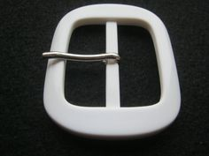10 Stück Gürtelschnallen mit DornWeißca.58/47 mmSteg von Knopfshop
