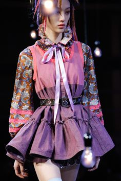 #MarcJacobs  #fashion #Koshchenets    Marc Jacobs Spring 2017 Ready-to-Wear Accessories Photos - Vogue