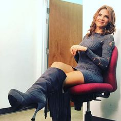 THE APPRECIATION OF BOOTED NEWS WOMEN BLOG : THE JACEY BIRCH STYLE FILE Sexy Legs And Heels, Sexy Boots, Cool Boots, High Boots, High Heels, Skirt Fashion, Fashion Boots, Women's Fashion, Business Outfits Women
