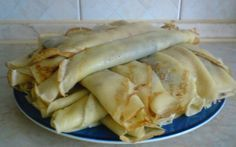 palacsinta***Recipe is in Hungarian- Memories, My Gram use to make these for my brother and me. Slovak Recipes, Czech Recipes, Hungarian Recipes, Ethnic Recipes, Czech Desserts, Eastern European Recipes, Goat Cheese Salad, Cooking Recipes, Healthy Recipes