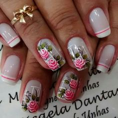 Nails decorated with floral print Stylish Nails, Trendy Nails, Pretty Nail Designs, Nail Art Designs, Nail Art Fleur, Plaid Nails, Rose Nails, French Tip Nails, Flower Nail Art