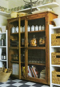 Too much stuff makes you stuffy and uncomfortable in the kitchen pantry? Maybe you need some fresh ideas to decorate your kitchen pantry? We can store all kitchen storage in the pantry. Kitchen Pantry, New Kitchen, Kitchen Decor, Pantry Cupboard, Kitchen Cupboards, Pantry Doors, Kitchen Armoire, Kitchen Ideas, Rustic Kitchen