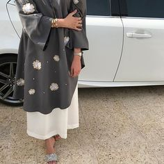 Modesty Fashion, Abaya Fashion, Muslim Women Fashion, Womens Fashion, Girls Fashion Clothes, Fashion Outfits, Estilo Abaya, Dubai Fashionista, Mode Abaya