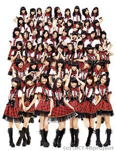 JKT48 adalah suatu Idol Group yg bisa ditemui Setiap hari selesai Theater Di salah satu mall Di Jakarta