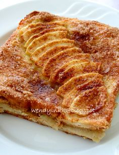 Baked Apple French Toast - A great way to start the day - perfect for Sunday brunch.