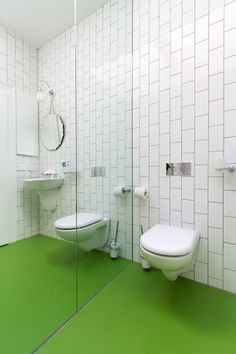 Vert Pomme Dalsouple Rubber Flooring Installed In A Bathroom In A 100 Year Old House In