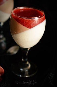 Panna Cotta cu ciocolata si sos de capsuni - Dulciuri fel de fel Panna Cotta, Ethnic Recipes, Desserts, Jello, Tailgate Desserts, Dulce De Leche, Deserts, Postres, Dessert