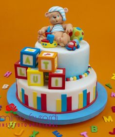 www.cakecoachonline.com - sharing......Cute possibility for a teddy bear baby shower cake