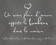 Un coeur plein d' amour apporte le bonheur dans la maison