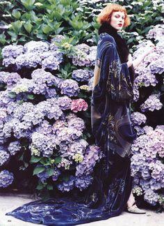 US Vogue November 1997 Karen Elson by Ellen von Unwerth