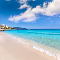 With almost two kilometers of sandy beaches, Cala Millor in Mallorca is the perfect place to enjoy the turquoise blue waters and to recharge your batteries...