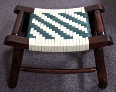 I love the Herringbone pattern on this bench, and the colored weave makes it even better!