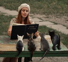 """....tell us more about how they 3 little kittens found their mittens...."" ♥"