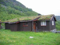 Sigfred & Ragnhild Hovda's hytte complete with sod roof