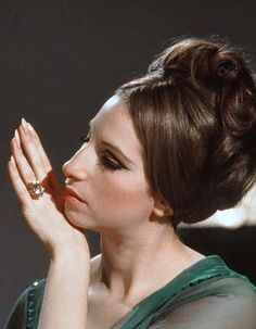 Funny girl hair barbra streisand ideas for 2019 Golden Age Of Hollywood, Vintage Hollywood, Classic Hollywood, Brooklyn, Funny Girl Musical, New York City, 24 Avril, Ella Enchanted, Broadway