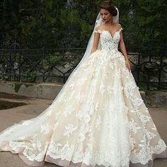 Elegant Off Shoulder Princess Lace Bridal Ball Gown Cinderella Wedding Dress
