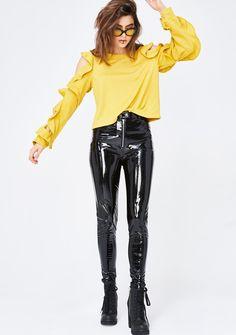 Shop fast fashion clothes & accessories here. White Leather Pants, Patent Leather Pants, Leather Pants Outfit, Black Patent Leather, Pvc Leggings, Shiny Leggings, Pantalon Vinyl, Latex Pants, Vinyl Clothing