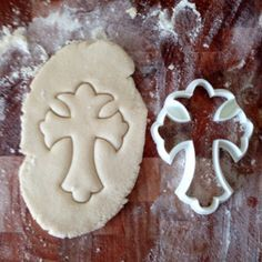 Christian Trefoil Cross Cookie Cutter by CavidDesigns on Etsy https://www.etsy.com/listing/182605868/christian-trefoil-cross-cookie-cutter