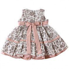 Vestido infantil Floral em Promoção. Compre Agora Toddler Girl Style, Toddler Dress, Baby Dress, Little Baby Girl, Cute Baby Girl, Little Girl Dresses, Girls Dresses, Wedding Flower Girl Dresses, Kids Frocks