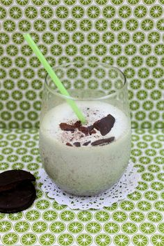 Boozy Thin Mint Milkshake--Vanilla ice cream, Creme de Menthe, and Thin Mints.  Sound amazing!