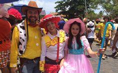 Toy Story family / Credit: O Globo #carnaval2015 #Olinda #carnival #braziliancarnival