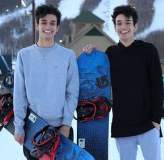 Marcus and Lucas snowboarding
