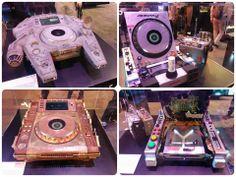 Awesome CDJ's! Dj Cake, Dj Setup, Pioneer Dj, Dj Gear, Dj Party, Dj Booth, Toys For Boys, Turntable, Awesome