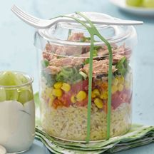 Rice Tuna Salad Recipes Weight watchers Should you be sensation sluggish and needing an Vitality boost, then a body detox … Weight Watchers Casserole, Weight Watchers Meals, Lunch Recipes, Salad Recipes, Healthy Recipes, Food To Go, Food And Drink, Weith Watchers, Work Meals