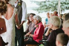 Rainy day wedding at Gilfillan Estate in Morgan, MN. | Justina Louise Photography