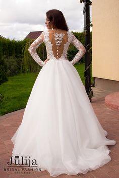 Encaje vestido de novia Fabiana con mangas por JulijaBridalFashion