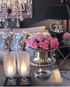 @sivbu  #passion4interior #interiør #luxury #homedetails #details #interiors  #dekor #decor #finahem #inspiration  #interiorstyled #norway #inspo #inspohome #onetofollow #photooftheday #interior4all #fine_hjem #the_real_houses_of_ig #picoftheday #interior2you #interior4you #livingroom #like4like #shabbychic #eleganceroom