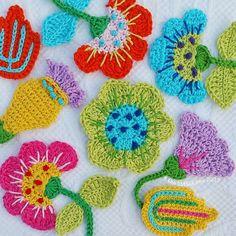 Crochet Garland, Crochet Tree, Freeform Crochet, Cute Crochet, Crochet Motif, Crochet Crafts, Crochet Doilies, Crochet Hooks, Crochet Projects