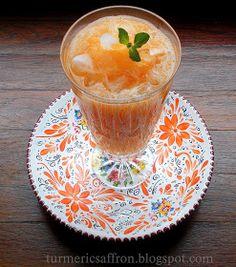 Turmeric & Saffron: Paloodeh: A Persian Sweet Cantaloupe Smoothie Cantaloupe Smoothie, Cantaloupe Recipes, Radish Recipes, Smoothies, Juice Recipes, Healthy Recipes, Mulberry Recipes, Turkish Recipes, Milkshakes