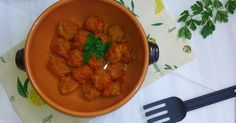 Pumpkin meatballs in a red sauce Homemade Cosmetics, Red Sauce, Chana Masala, Bon Appetit, Curry, Cooking Recipes, Pumpkin, Ethnic Recipes, Notes