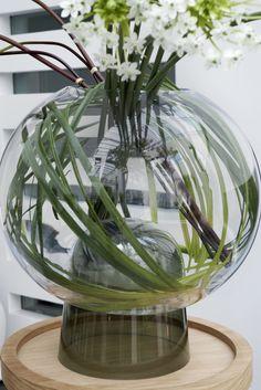 Precioso detalle de nuestros amigos de  @trebole original jarron y flores de SIA  en Trébole regalos