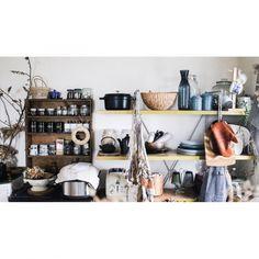 MMさんの、Kitchen,STAUB,キッチン収納,ドライオタク(*´_ゝ`),NO GREEN NO LIFE,DeLonghiのトースターについての部屋写真