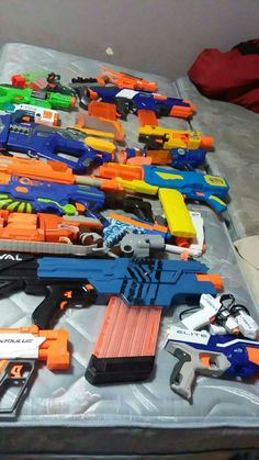 Mostly nerf all good shape selling as a bundle Arma Nerf, Cool Nerf Guns, Barbie Makeup, Dinosaur Drawing, Fulton, Airsoft, Atv, Minecraft, Spiderman