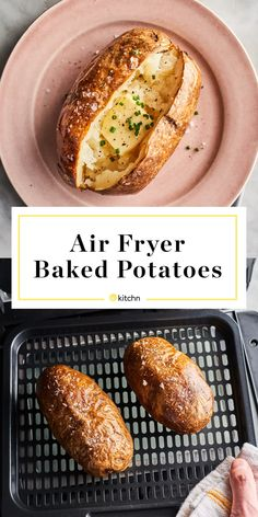 Air Fryer Baked Potatoes Have Impossibly Crispy Skins Air Fryer Baked Potato, Best Baked Potato, Baked Potato Recipes, Air Fryer Oven Recipes, Air Frier Recipes, Air Fryer Dinner Recipes, Pampered Chef Recipes, Cooking Recipes, Skillet Recipes