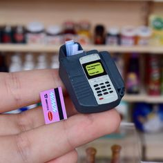Size Approx: Package includes 1 pin pad POS device and 1 mini credit card. Miniature Crafts, Miniature Food, Miniature Dolls, Doll Crafts, Cute Crafts, Kawaii Crafts, Doll Furniture, Dollhouse Furniture, Miniature Furniture