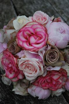 Wedding flower ideas.  For all your headwear requirements visit www.eledahats.co.uk