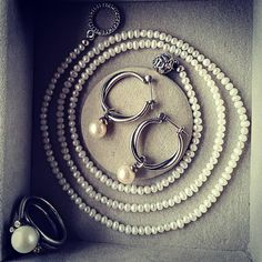 "@charm_crazy on Instagram: ""I never use to like pearls, probably because when I was a little girl I gifted my nana a strand and I associated them with grannies…"""