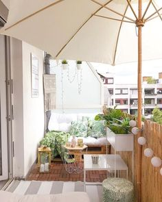 28 Elite Balcony Couch Design ideas With Pallets That Make You Feel Comfortable - Balcony Decoration Ideas in Every Unique Detail Garden Garden apartment Garden ideas Garden small Small Balcony Decor, Small Terrace, Balcony Ideas, Small Balcony Furniture, Apartment Balcony Decorating, Apartment Balconies, Room Interior, Interior Design Living Room, Nordic Interior