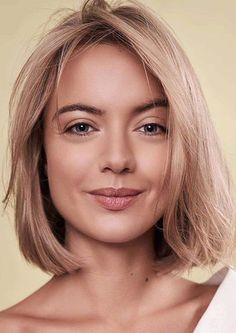Fantastic Bob Haircut Styles You Must Try in Year 2020 Modern Bob Hairstyles, Hairstyles Haircuts, Cool Hairstyles, Bob Haircuts 2017, Best Bob Haircuts, Medium Hair Cuts, Medium Hair Styles, Hair Transformation, Hair Painting