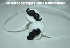 Leila in Wonderland: Alles in Wonderland: Mustache oordopjes!