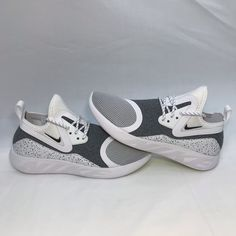 separation shoes 22a94 7043b Nike Shoes    New  Nike Lunarcharge Essential Running Walk Shoe   Color   Black