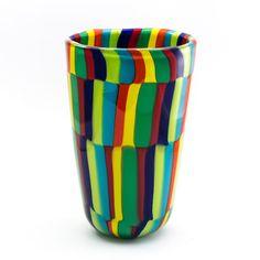 Vaso multicolor realizzato artigianalmente con la tecnica a soffio. Pezzo unico. Murano glass vase, handmade and beautiful interior design.