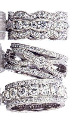 love these ♥✤ wide diamond bands. Twist rings and three row of diamonds. Amazing wedding bands or right hand rings. Ring Set, Ring Verlobung, Tungsten Wedding Bands, Wedding Rings, Right Hand Rings, Diamond Bands, Wide Diamond Wedding Bands, Diamond Anniversary Bands, Rough Diamond